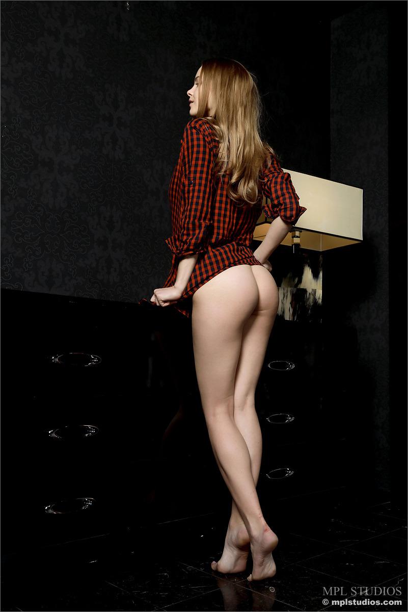 carolina-bottomless-nude-checkere-shirt-mplstudios-03