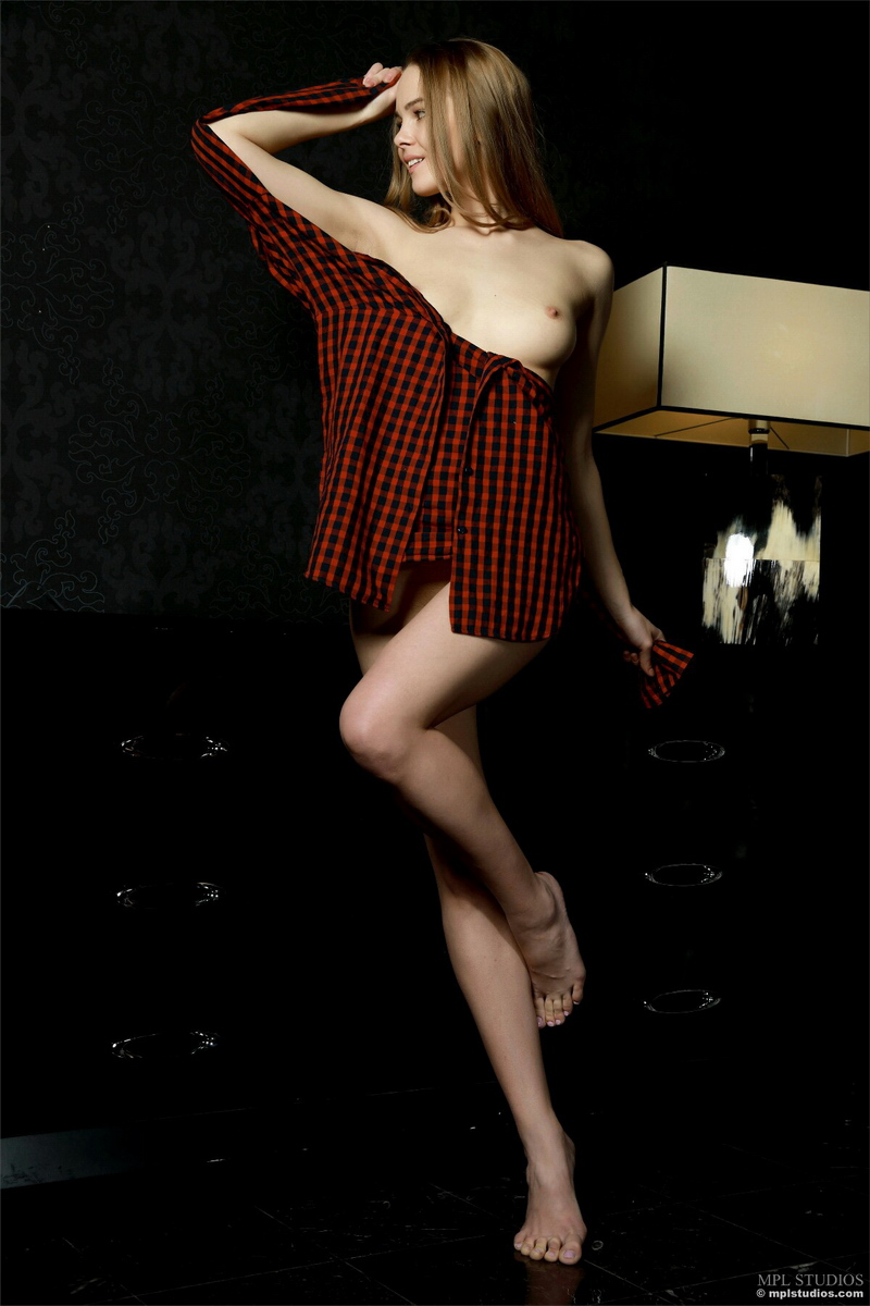 carolina-bottomless-nude-checkere-shirt-mplstudios-04