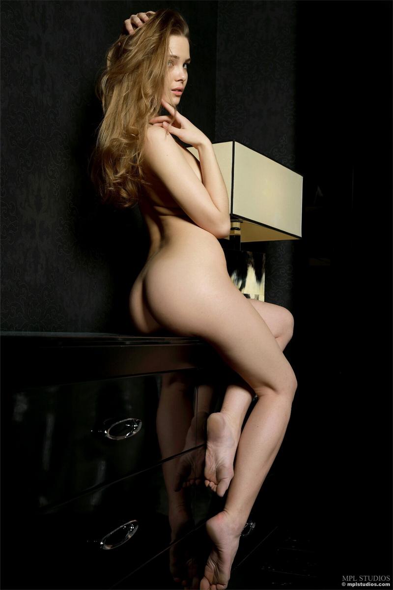 carolina-bottomless-nude-checkere-shirt-mplstudios-12
