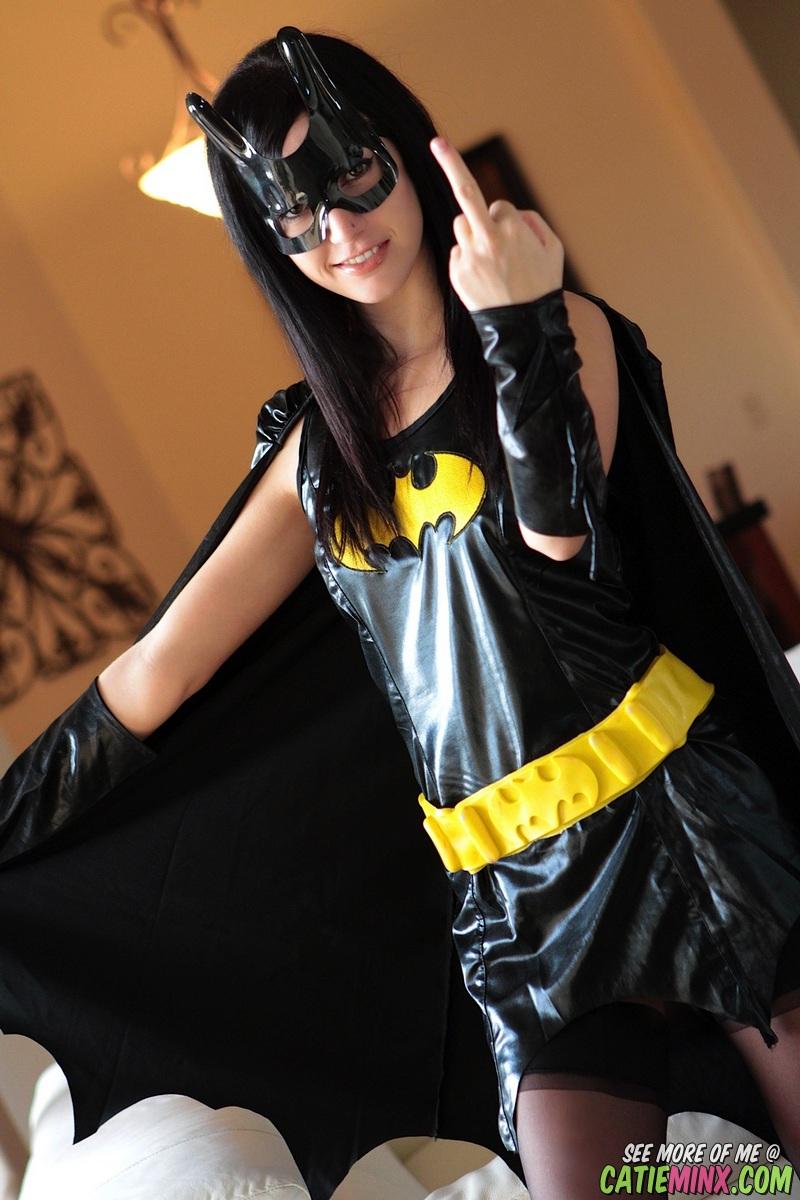 catie-minx-batgirl-02