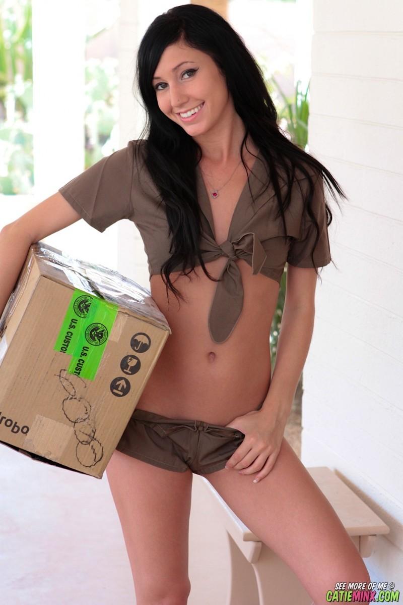 catie-minx-ups-delivery-girl-nude-01