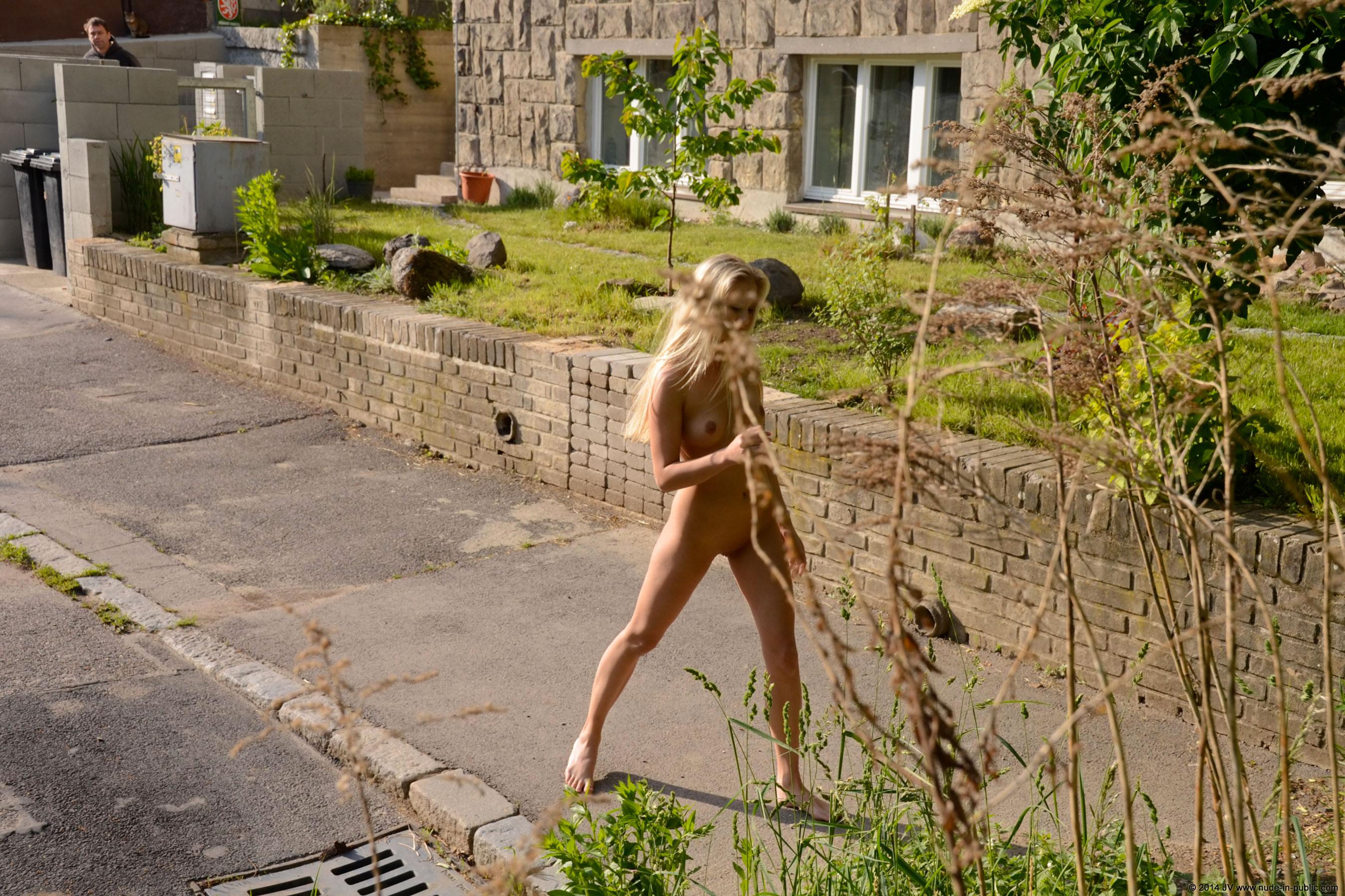 karolina-m-blonde-on-the-street-nude-in-public-14