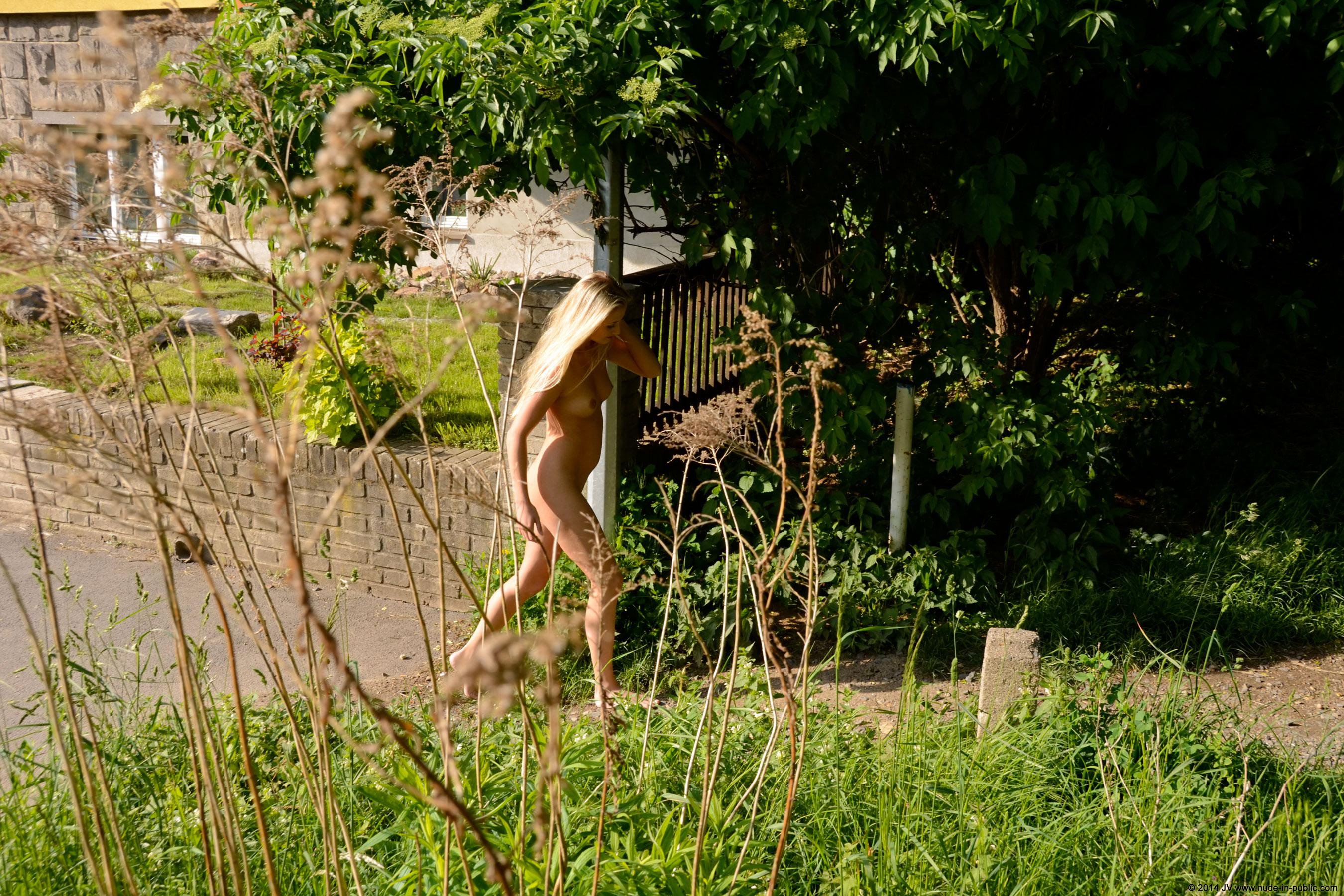 karolina-m-blonde-on-the-street-nude-in-public-15