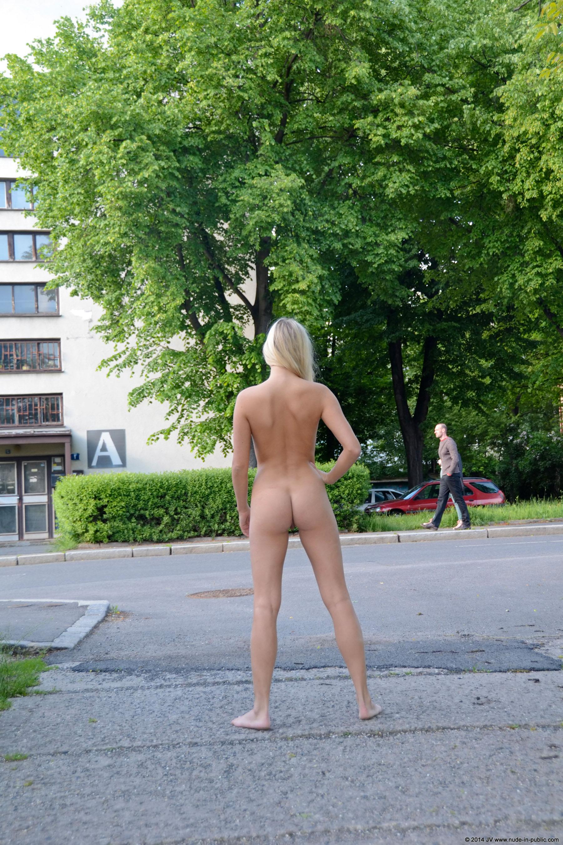 karolina-m-blonde-on-the-street-nude-in-public-25