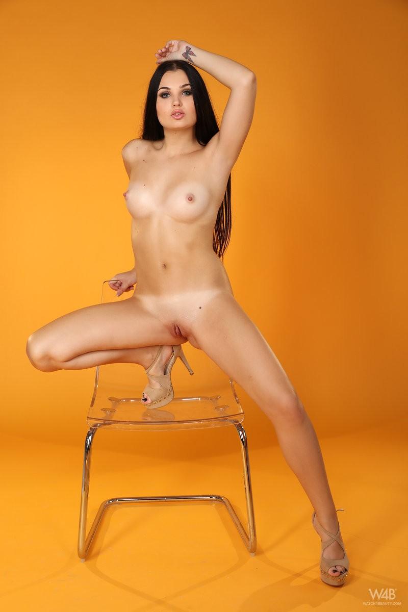 celeste-t-nude-furry-vest-watch4beauty-13