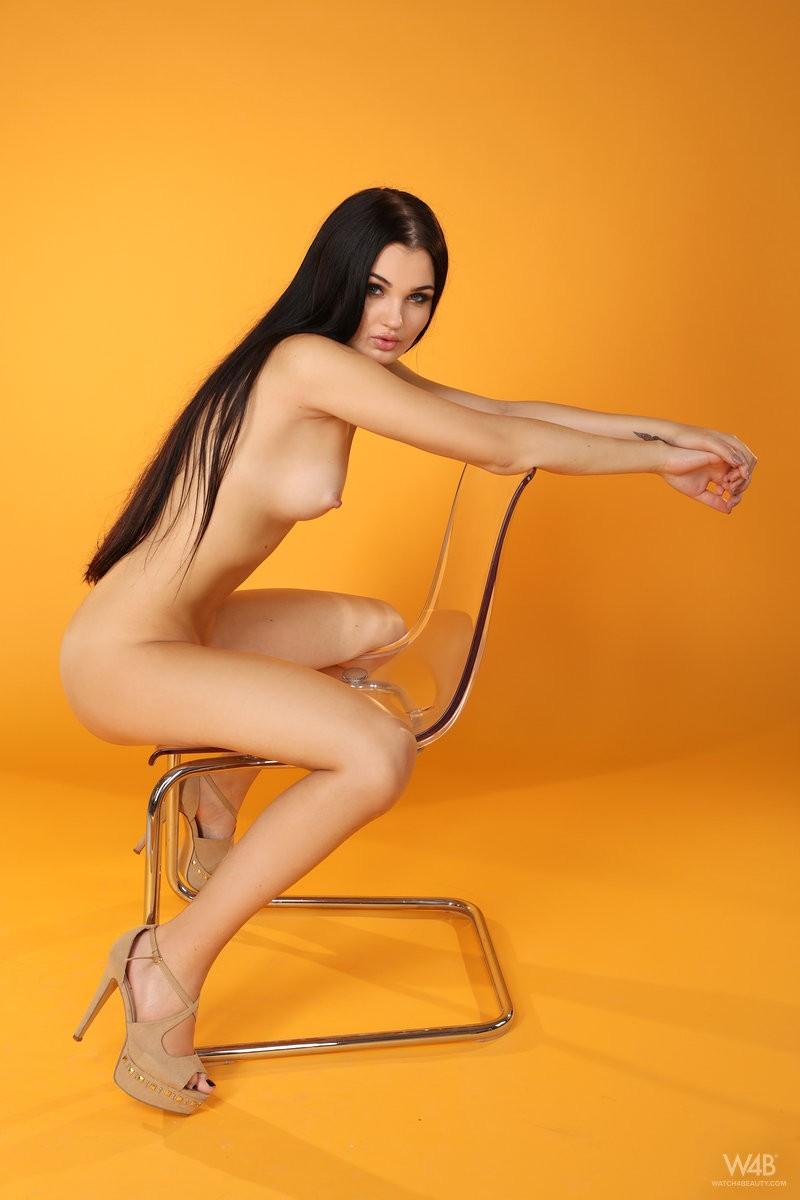 celeste-t-nude-furry-vest-watch4beauty-14