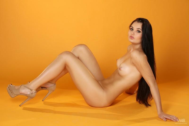 celeste-t-nude-furry-vest-watch4beauty-16