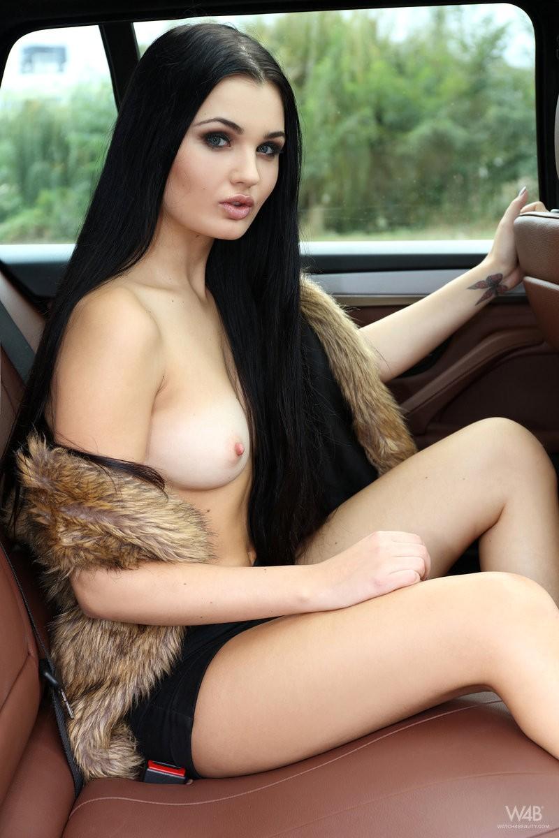 celeste-t-nude-backseat-brunette-watch4beauty-03
