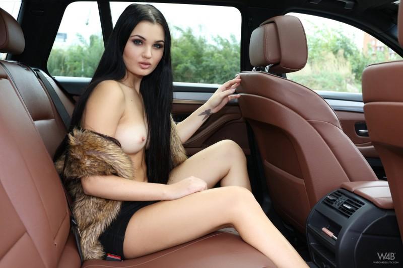 celeste-t-nude-backseat-brunette-watch4beauty-04