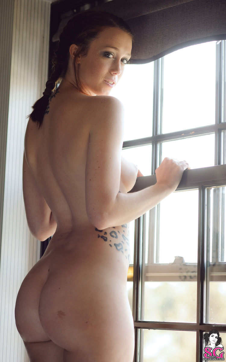 charlotte-herbert-nude-window-suicide-girls-22