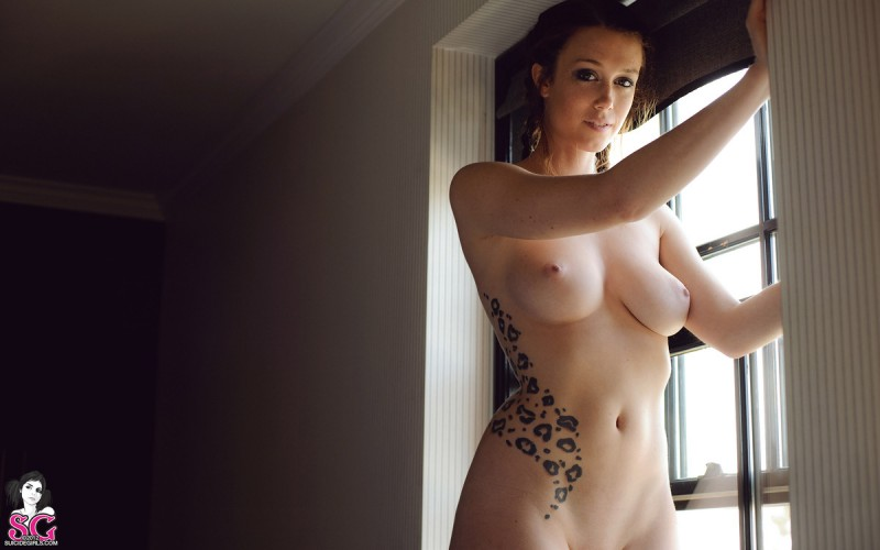 charlotte-herbert-nude-window-suicide-girls-27