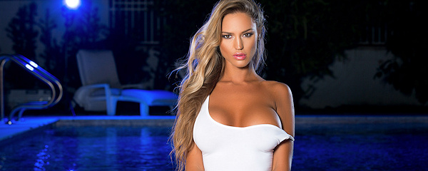 Charlie Riina – Night poolside