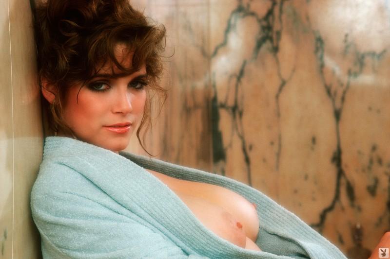 charlotte-kemp-playboy-1982-03