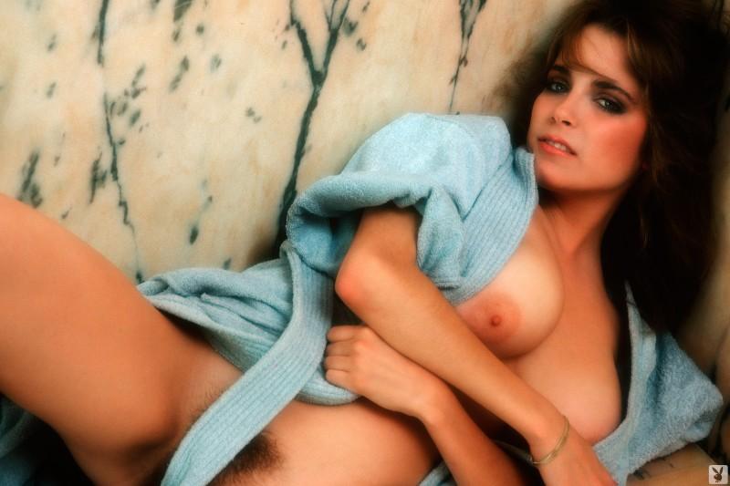 charlotte-kemp-playboy-1982-04