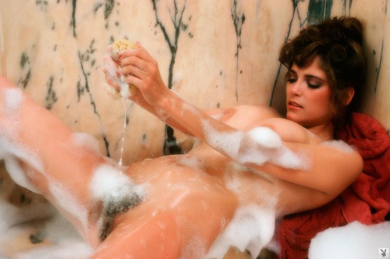 charlotte-kemp-playboy-1982-10