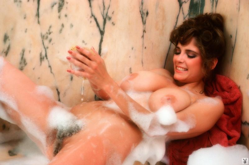 charlotte-kemp-playboy-1982-11