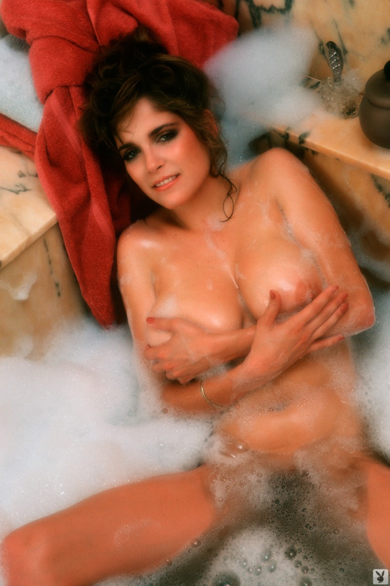 charlotte-kemp-playboy-1982-12