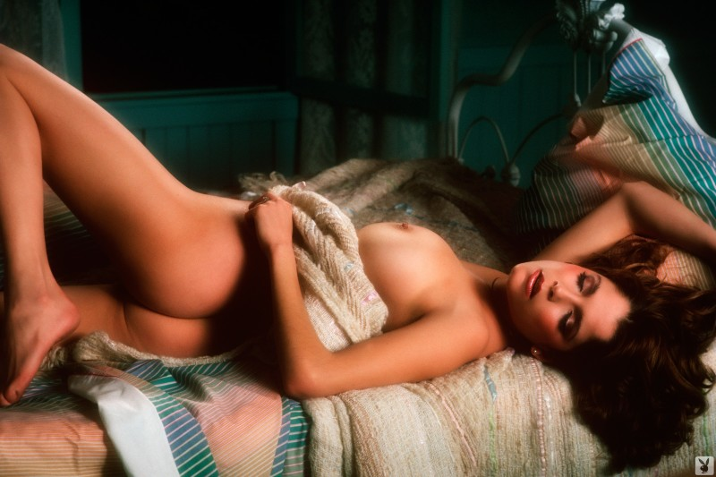 charlotte-kemp-playboy-1982-18