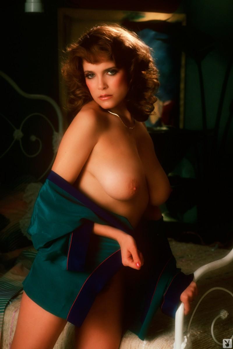 charlotte-kemp-playboy-1982-19