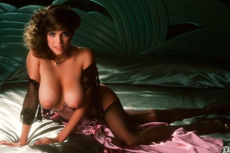 charlotte-kemp-playboy-1982-20