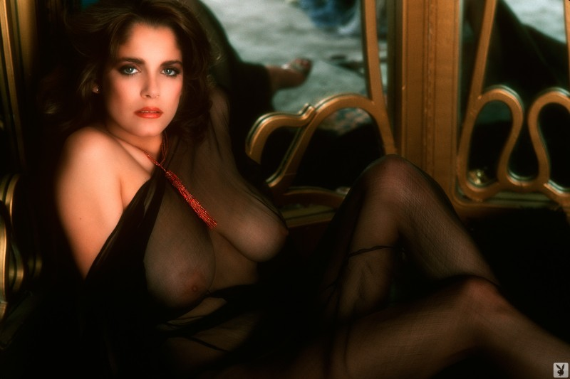 charlotte-kemp-playboy-1982-24