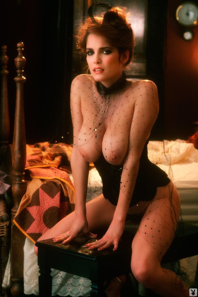 charlotte-kemp-playboy-1982-29