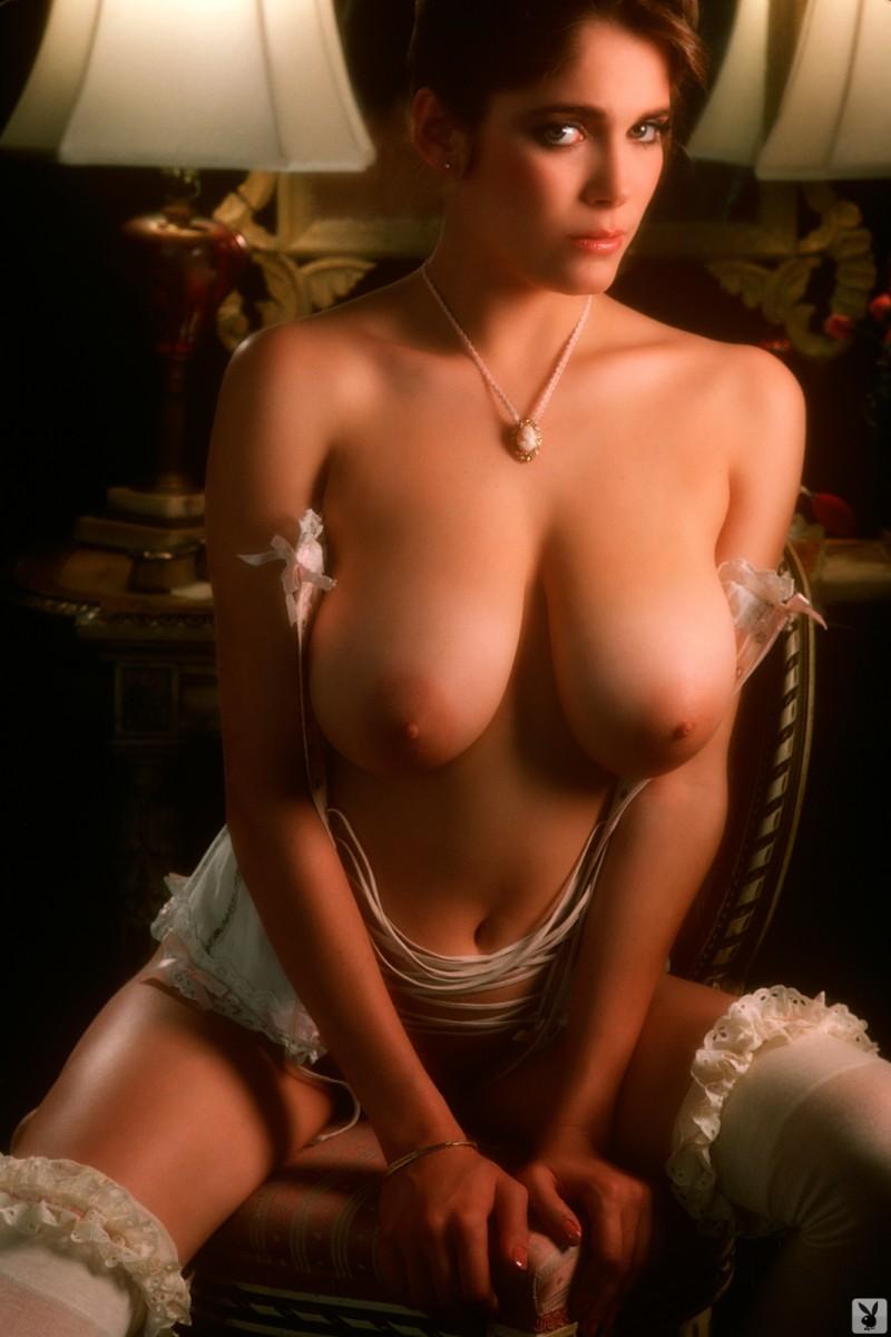 charlotte-kemp-playboy-1982-33