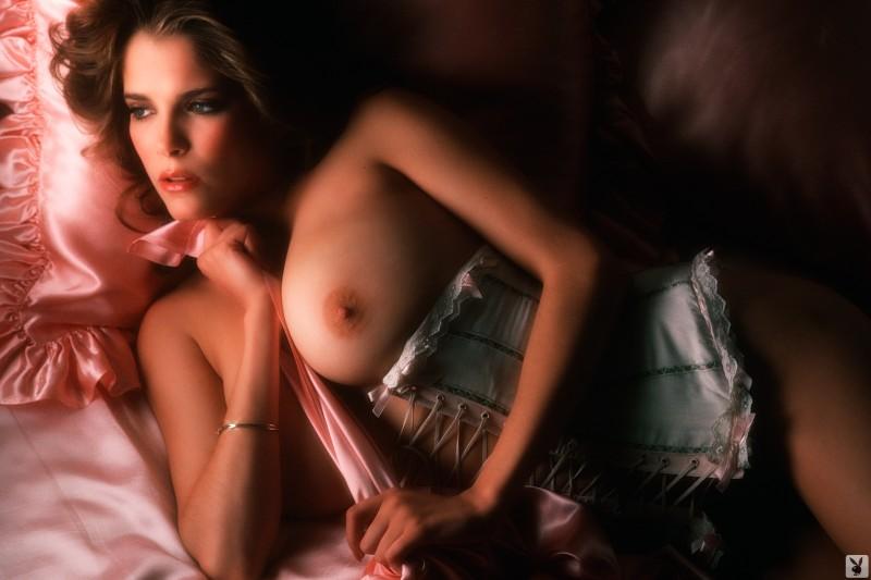 charlotte-kemp-playboy-1982-34