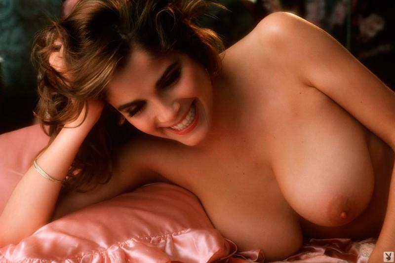 charlotte-kemp-playboy-1982-43