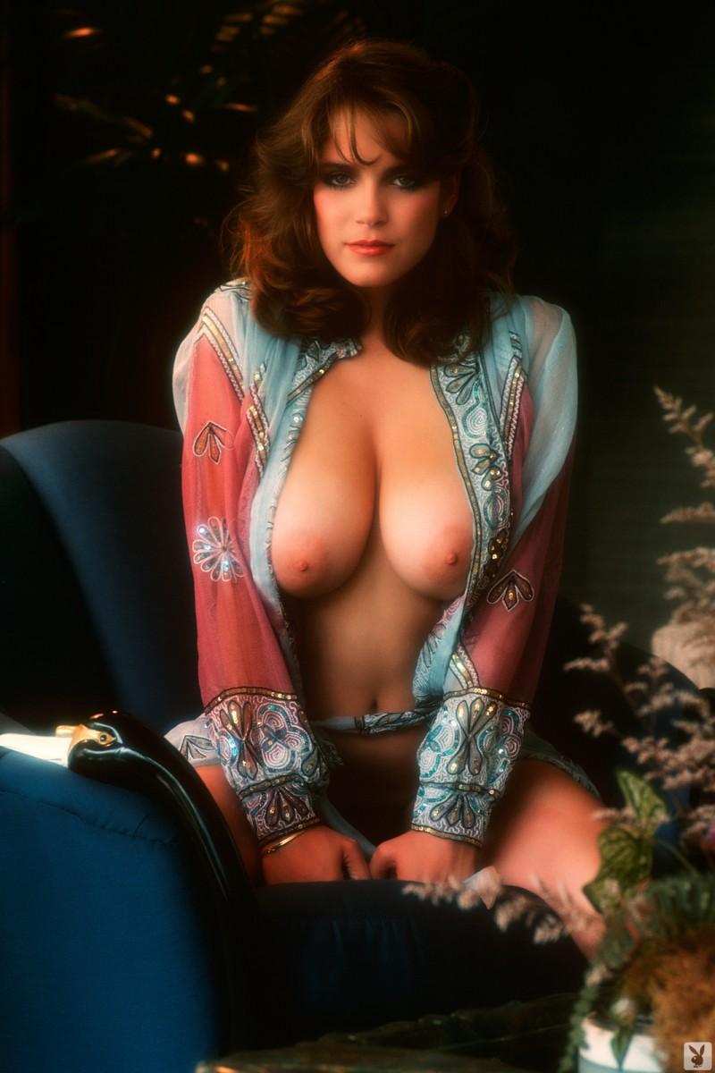 charlotte-kemp-playboy-1982-46