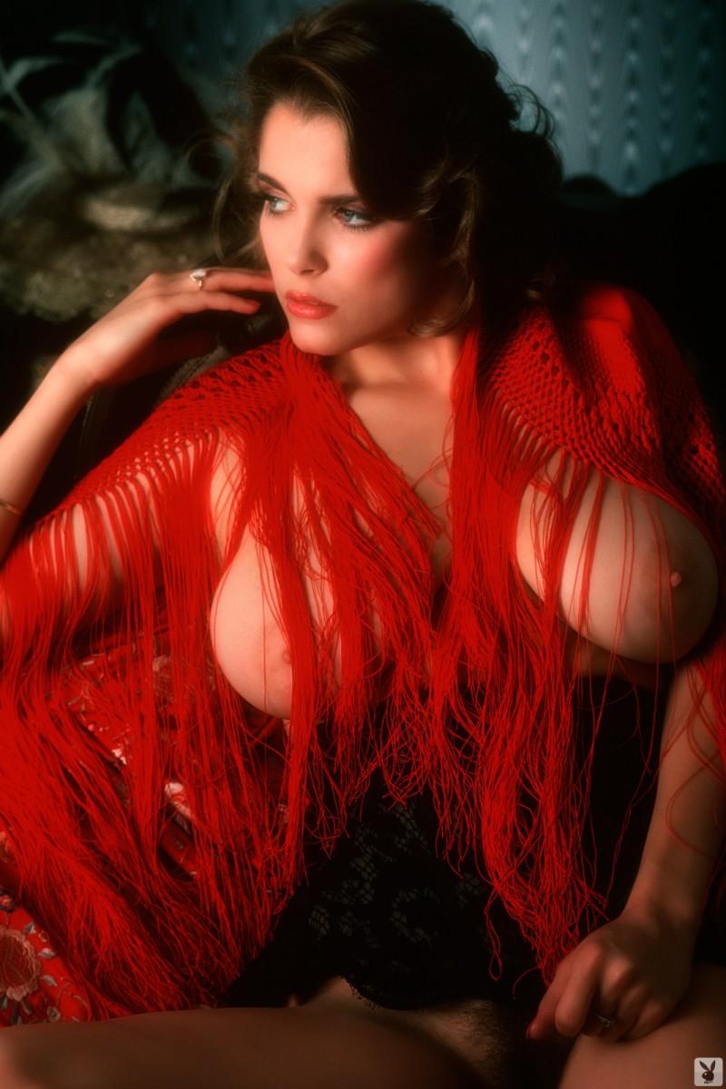charlotte-kemp-playboy-1982-54