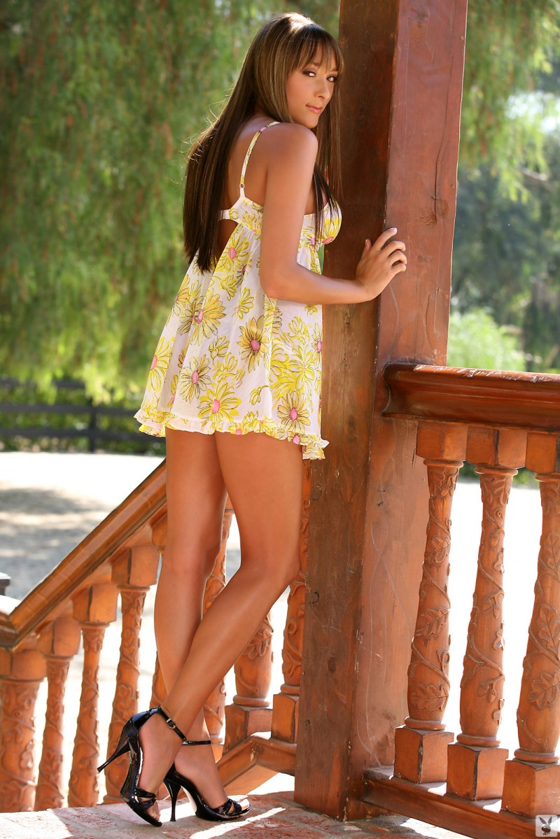 chelse-medley-naked-outdoors-playboy-03
