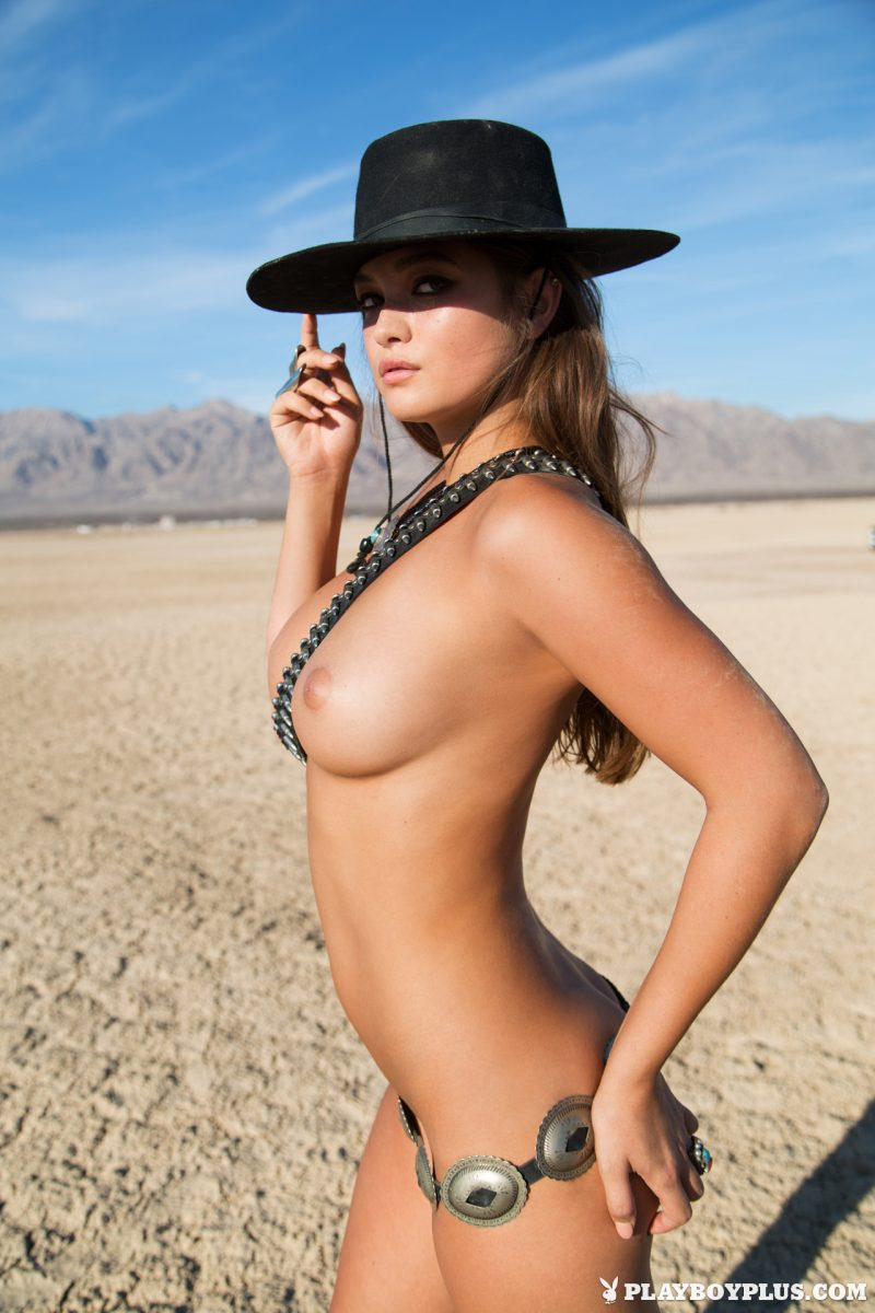 chelsie-aryn-naked-desert-black-hat-playboy-05