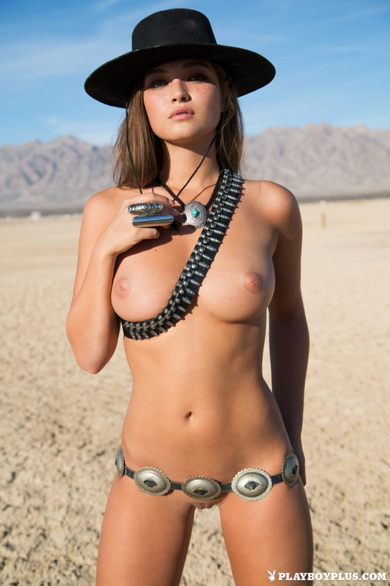 chelsie-aryn-naked-desert-black-hat-playboy-06