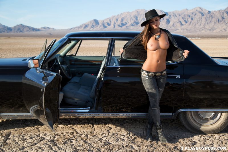 chelsie-aryn-naked-desert-black-hat-playboy-07