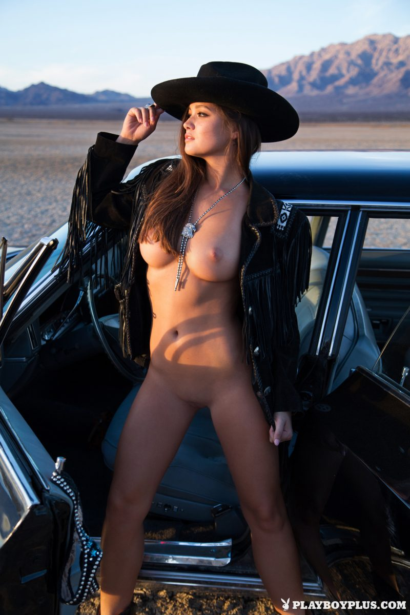 chelsie-aryn-naked-desert-black-hat-playboy-11