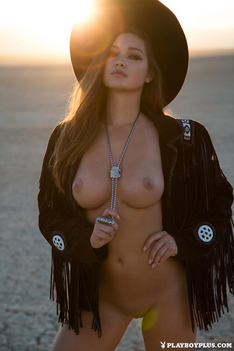 chelsie-aryn-naked-desert-black-hat-playboy-12