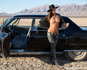 chelsie-aryn-naked-desert-black-hat-playboy
