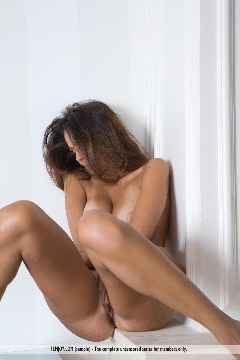 chiara-nude-home-femjoy-06