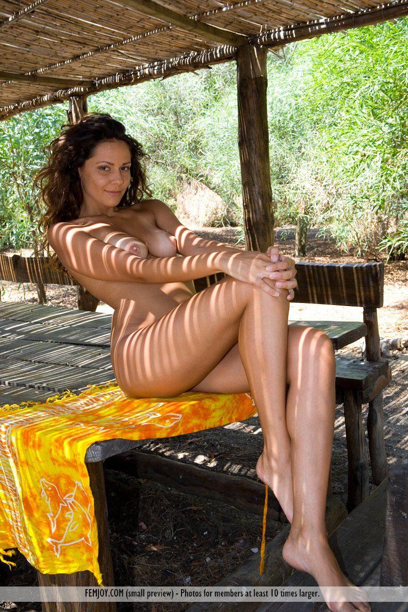 chiara-nude-olive-grove-femjoy-01