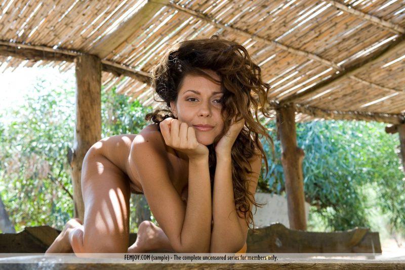 chiara-nude-olive-grove-femjoy-06