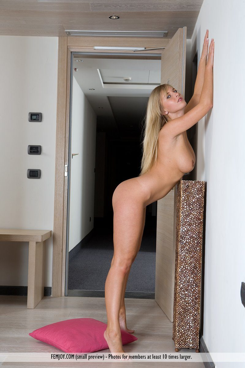 magdalene-boobs-elevator-nude-femjoy-05