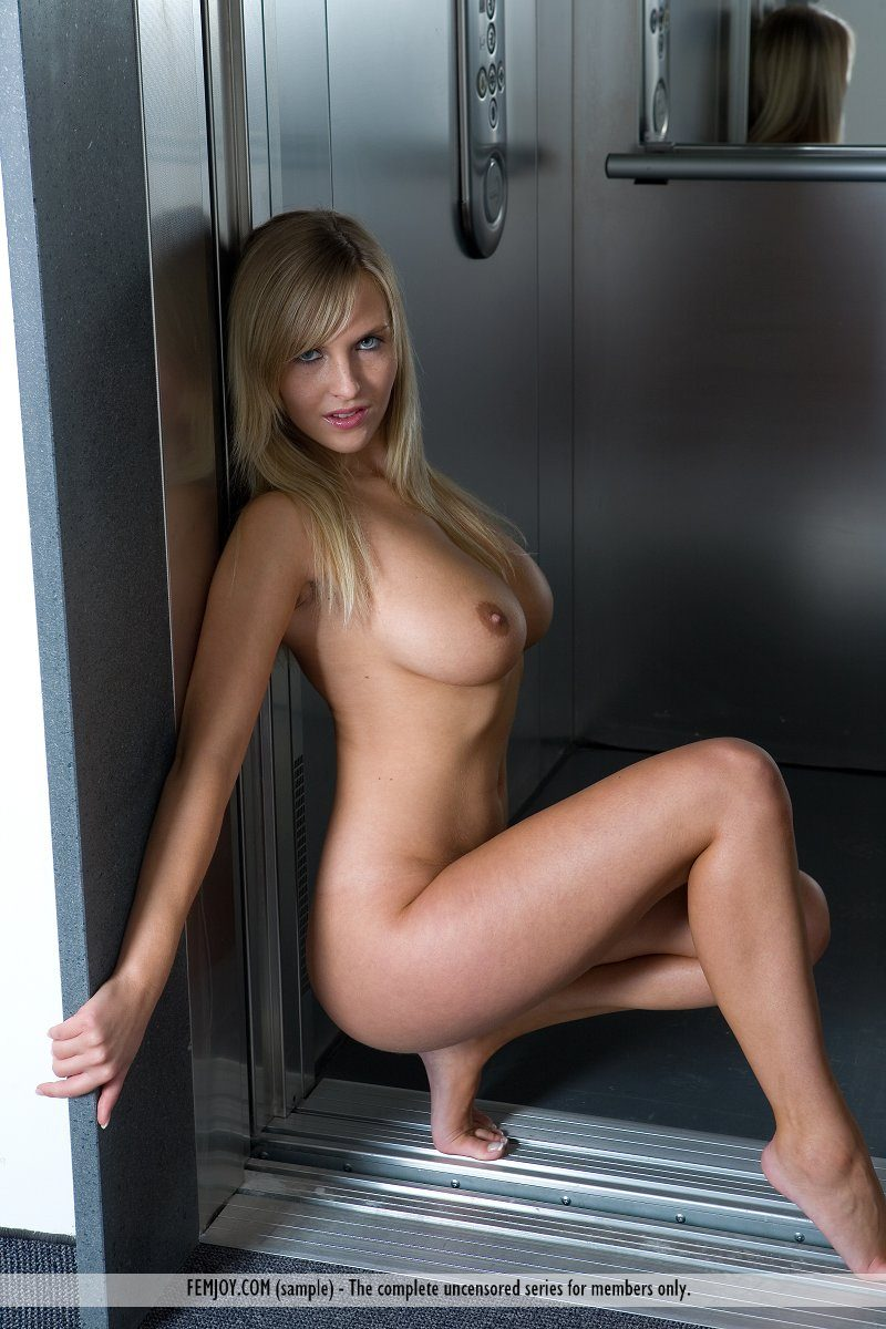 magdalene-boobs-elevator-nude-femjoy-06