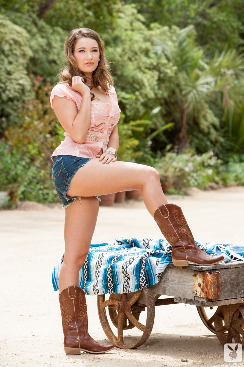 christine-veronica-cowboy-boots-playboy-04