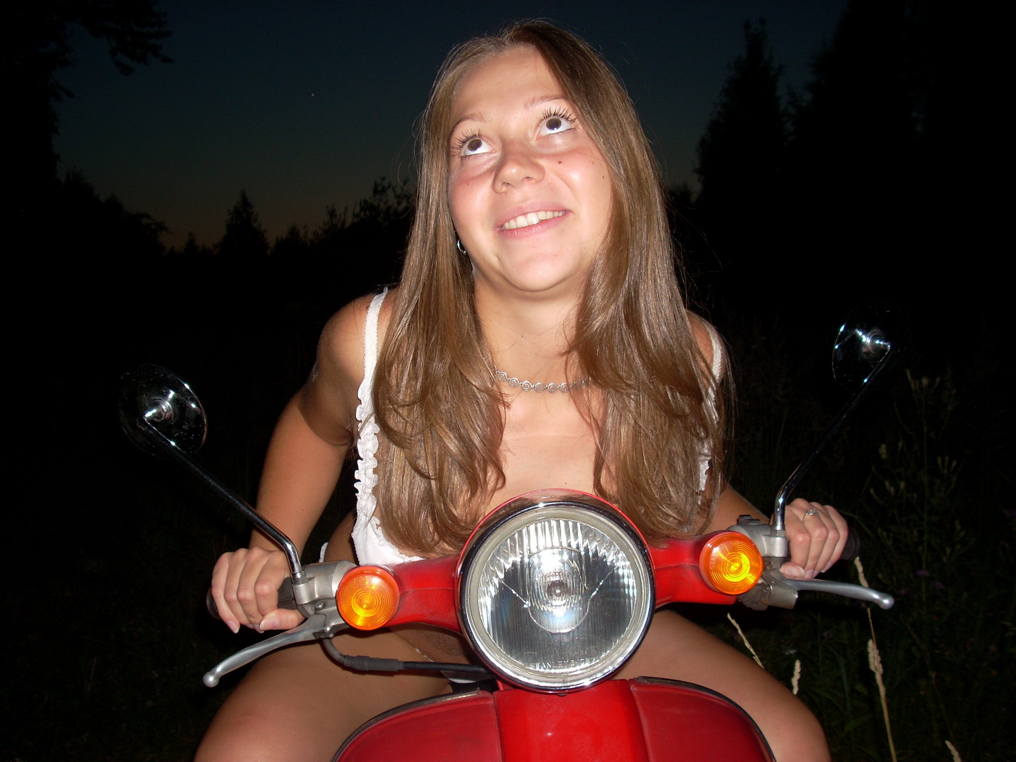 chubby-amateur-girl-nude-outdoor-tits-ass-12