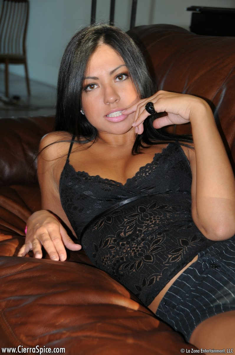 cierra-spice-leather-couch-nude-05