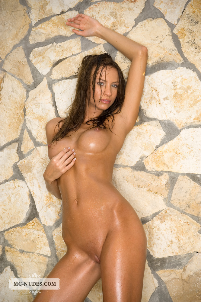 agnes-wet-mc-nudes-02