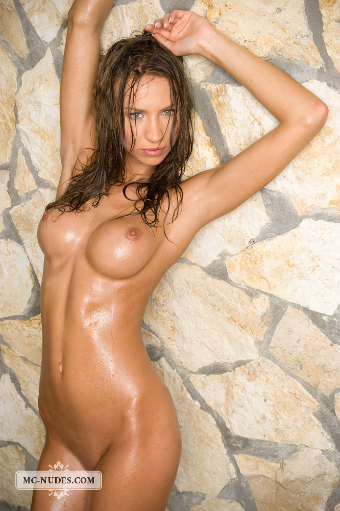 agnes-wet-mc-nudes-15