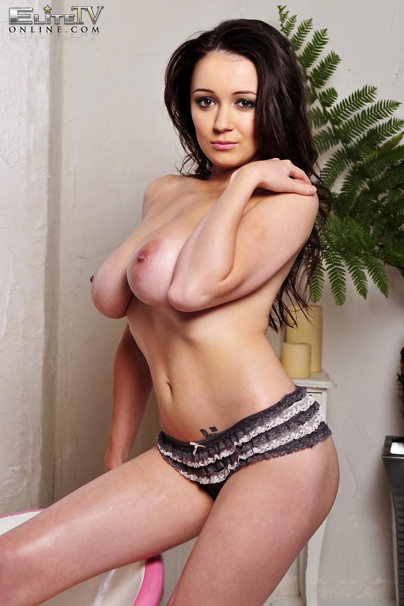 clair-meek-oiled-boobs-elitetv-07
