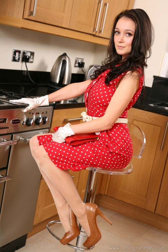 clair-meek-kitchen-pantyhose-onlytease-03